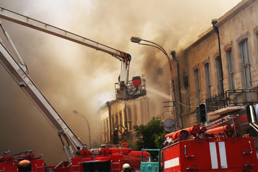 Fassadenbrand: Wie hoch ist die Brandgefahr bei Polystyrol-Dämmung?