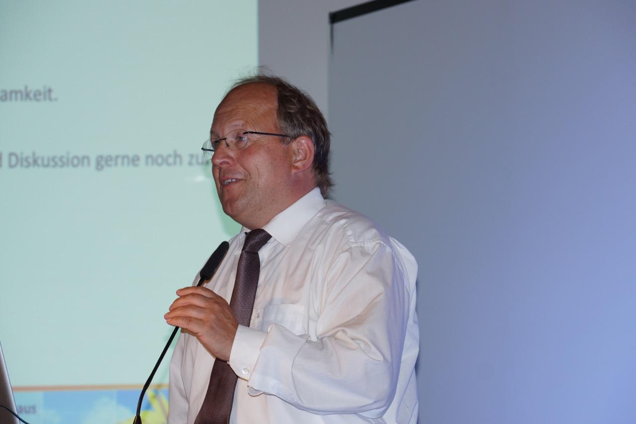 Der Geschäftsführer auf einem Symposium für Energie und Umwelt im Jahr 2014 – © Mangold GmbH