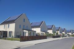 Neuer Vorschlag sieht dreiteilige Gliederung zur Belastung des Eigenverbrauchs vor_Bild_esbobeldijk_Fotolia.com