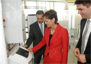 Hessen foerdert 400 Mikro-BHKW_hier_Die hessische Landesumweltministerin Lucia Puttrich startet die Markteinfuehrungsinitiative fuer Mikro-BHKW_Foto_Vaillant