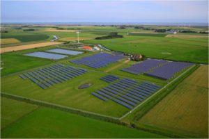 Hybrides Speichersystem steuert Pellwormer Wind- und Solartrom_hier_Hybridkraftwerk auf Pellworm_Foto_Schleswig-Holstein Netz AG