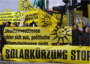 Kritik an Solarstrom-Kuerzung und Verordnungsermaechtigung weitet sich aus_Foto_Solarpraxis AG_Marco Sieg