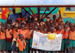 Photovoltaik-Inselanlage versorgt UgandaKids-Schule mit Solarstrom_Foto_SMA Solar Technology AG