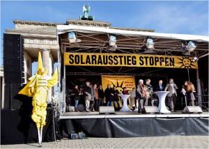 Solarbranche hofft auf Vermittlungsausschuss zur Einspeiseverguetung_hier_Grossdemonstration gegen Solar-Kuerzung_Foto_BSW-Solar