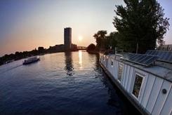 Energieautarkes Solar-Wohnschiff bietet Platz für eine vierköpfige Familie_Foto_eStyle_Berlin