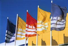 ikeafahnen_Bildquelle: IKEA / Helmut Stettin