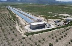 Novatec und BASF nehmen erstes Flüssigsalz-Solarthermie-Kraftwerk auf Fresnel-Basis in Betrieb_Bild: pe_1_vogelperspektive_Novatec_Solar