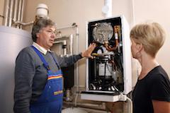 Das Fachhandwerk verfügt über moderne, energieeffiziente Heizungstechnik-Alternativen wenn es um individuelle Lösungen geht (Foto: Allianz Freie Wärme/BDH)