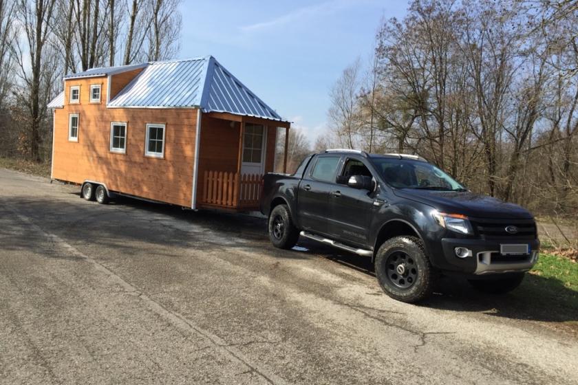 Transport eines Tiny Houses (Foto: Dieter Puhane - Tiny House Rheinau / FMI Fachverband Mineralwolleindustrie e.V.)