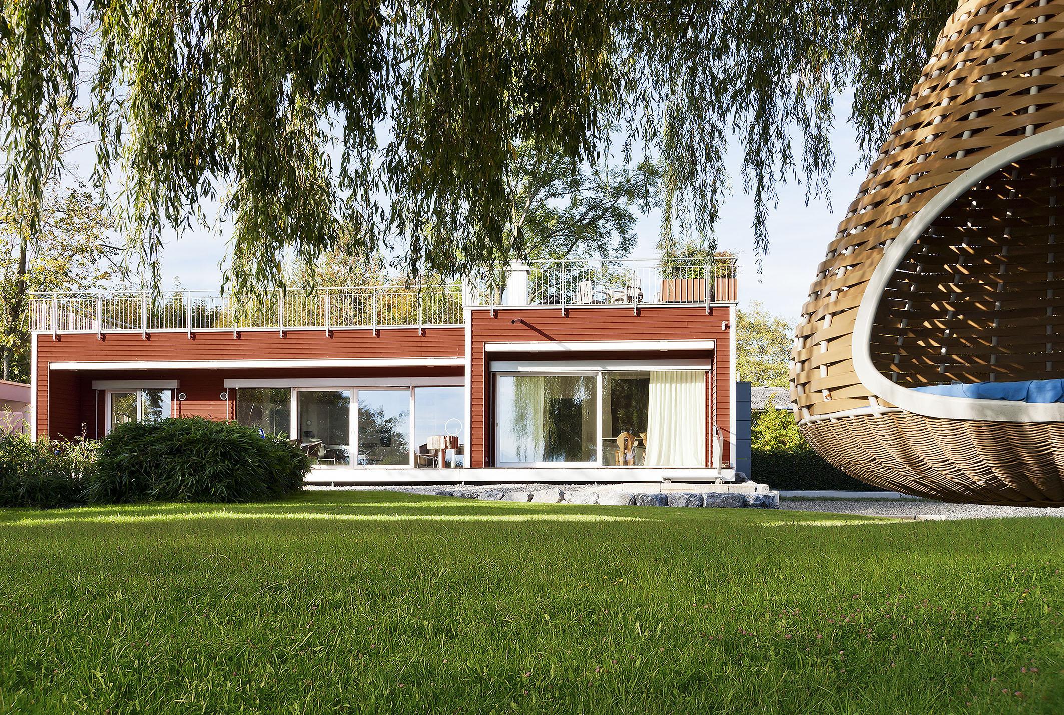 Holz-Fertighäuser gibt es in allen Größen und Variationen. (Foto: BDF/Baufritz)