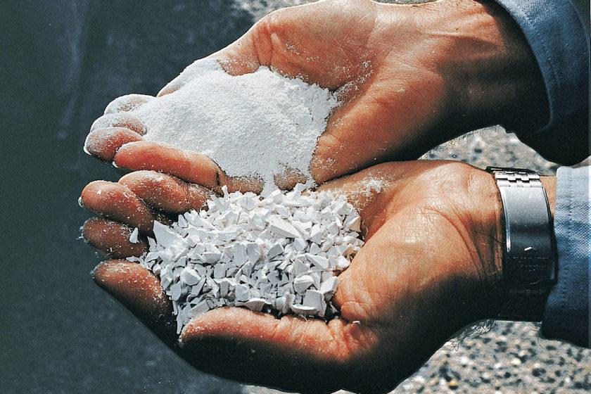 Fenster Recycling: Kunststoffgranulat für neue Produkte.